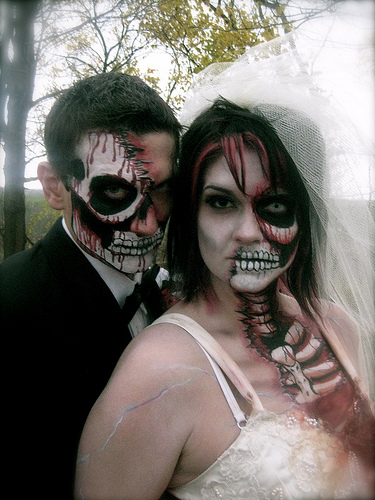 Zombie bride & groom