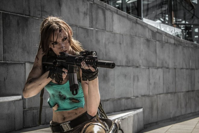 lara_croft_tomb_raider__taking_aim_by_jenncroft-d5l4wf6
